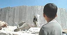 Il muro che separa israeliani e palestinesi per 700 chilometri