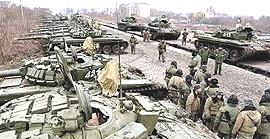 Carri armati russi al confine ucraino