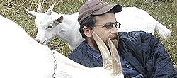 Giorgio con le sue capre in val Maira