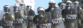 Grecia, polizia antisommossa