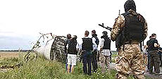 I resti del jet malese abbattuto da un caccia di Kiev