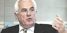 Peter Hartz, il manager che ha ispirato la super-flessibilità corrompendo i sindacati