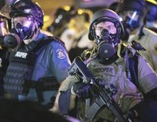 Usa, polizia militare antisommossa a Ferguson