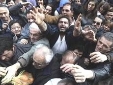 La Grecia alla disperazione per fame