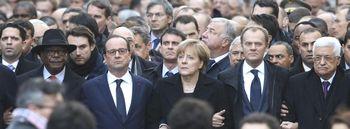 La parata dei politici a Parigi dopo l'attentato