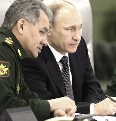 Putin col ministro della difesa Sergeij Shoigu