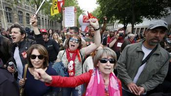 Parigi in rivolta contro il Jobs Act francese