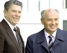 Reagan e Gorbaciov