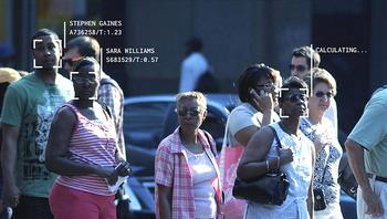 Riconoscimento facciale da videocamere di sorveglianza in strada