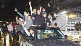 Aleppo liberata, siriani in festa