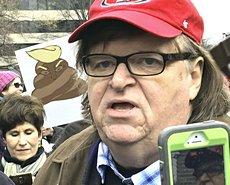 """Michael Moore: """"Il mio presidente è Obama"""""""