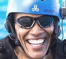 Obama in tenuta da kite surf