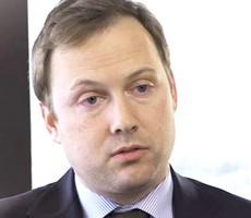 Alec Philips, di Goldman Sachs