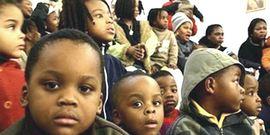 Migranti, bambini africani sbarcati in Italia