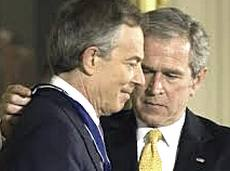 Tony Blair con George W. Bush