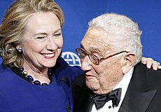 Kissinger con Hillary Clinton