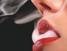 Donna fumo
