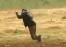 Gaza, il militante palestinese colpito da un cecchino