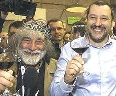 Salvini a Vinitaly con Mauro Corona