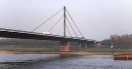 Il ponte Neuenkamp a Duisburg