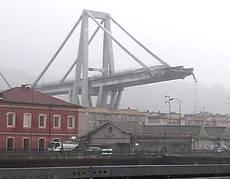 Il viadotto crollato a Genova