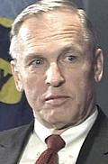 L'ammiraglio Arthur Cebrowski