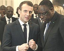 Macron con il presidente senegalese Macky Sall