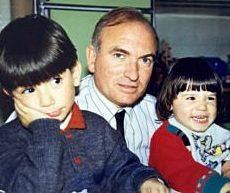 Nino Polifroni con due dei suoi figli