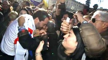 Salvini acclamato