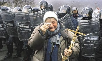 Un'immagine della protesta NoTav nel 2005