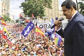 Folla a Caracas il 2 febbraio per sostenere Maduro