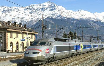 Il Tgv francese che transita regolarmente in val Susa