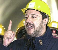 Salvini nel cunicolo esplorativo Tav di Chiomonte