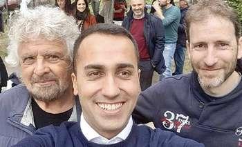 Di Maio con Grillo e Casaleggio, i padroni del M5S