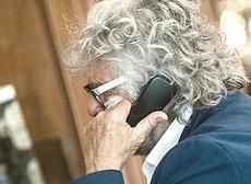 Grillo al telefono