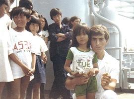 Bambini vietnamiti salvati dal naufragio
