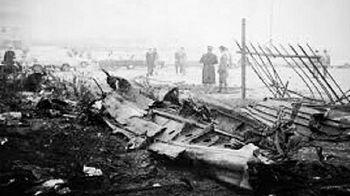 I rottami di Argo 16, il Douglas C-47 Dakota precipitato a Marghera
