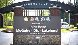L'ingresso della base di Fort Dix