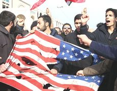 Proteste anti-Usa a Teheran