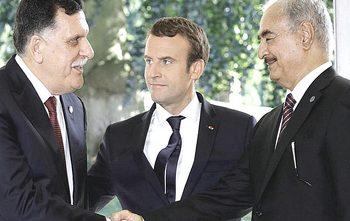 Serraj e Haftar con Macron