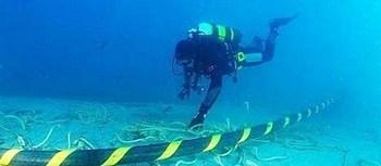 Cavi sui fondali marini