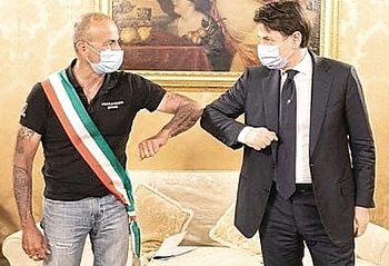 Gianluca Bacchetta con Conte a Palazzo Chigi