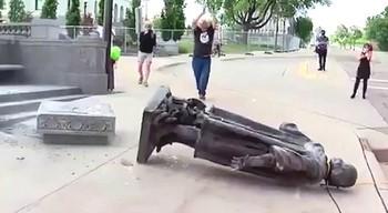 Statue abbattute