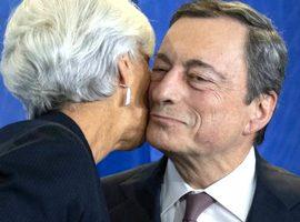 Mario Draghi con Christine Lagarde