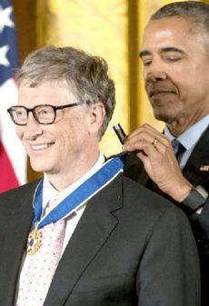 Bill Gates premiato da Obama