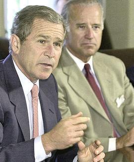 George W. Bush con Joe Biden