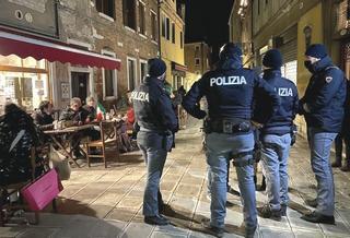 Polizia e dehors