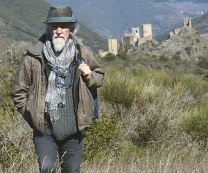 Fredo Valla tra le rovine dei castelli catari in Linguadoca