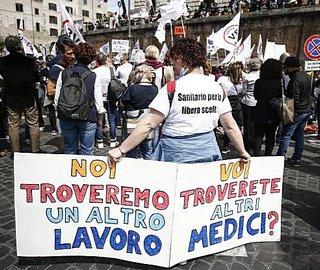 Sanitari contro il Tso vaccinale Covid